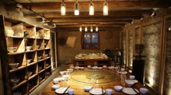 土坯房变美味餐厅 牛圈成了咖啡屋
